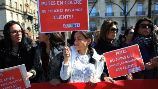 France outlaws paying for sex